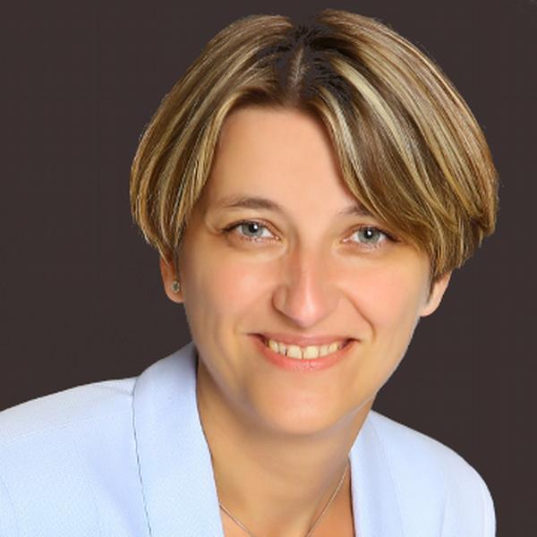 Lucie Vlková, Slůně - svět jazyků